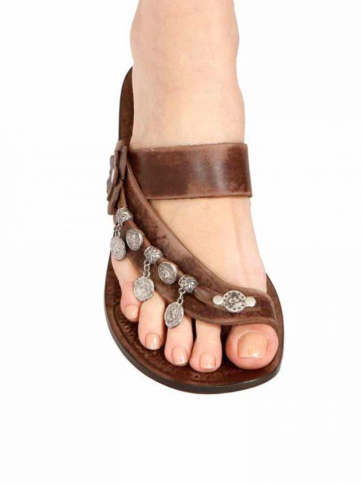 ottoman-seal-leather-flip-flops