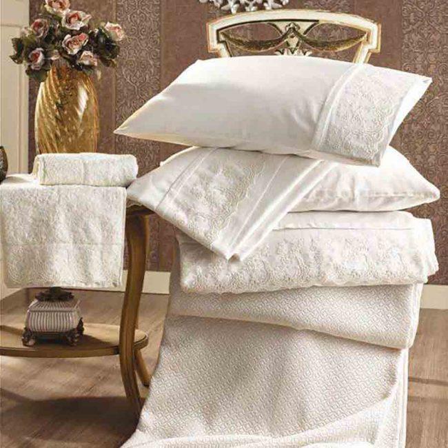 Pure All In clusive Bedding Set 650x650 - Pure All Inclusive Bedding Set