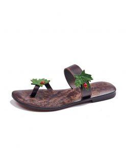 flat-toe-thong-flip-flops