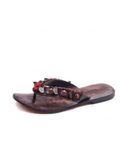 red-flowers-flip-flops
