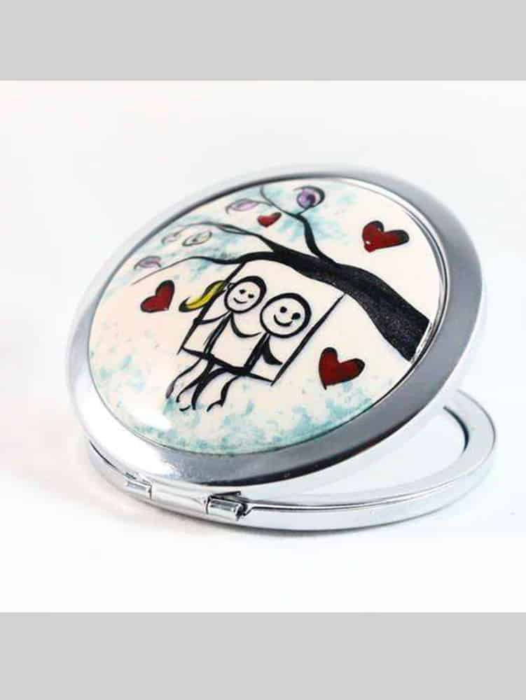 romance-make-up-mirror