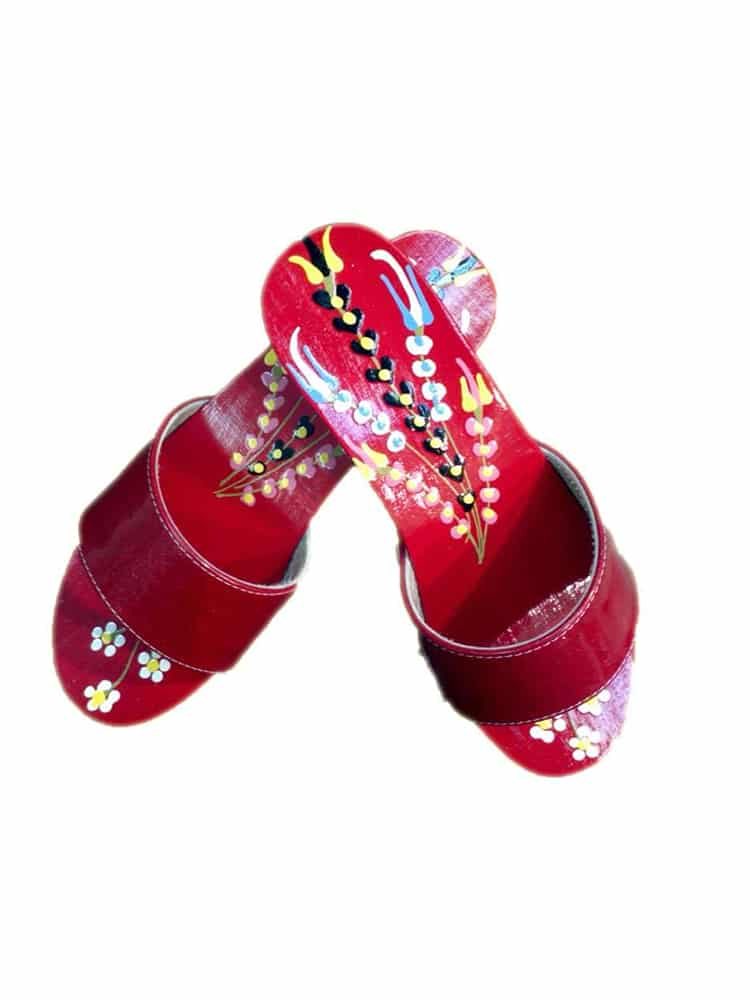 traditional black clogs 2 - Traditional Clogs