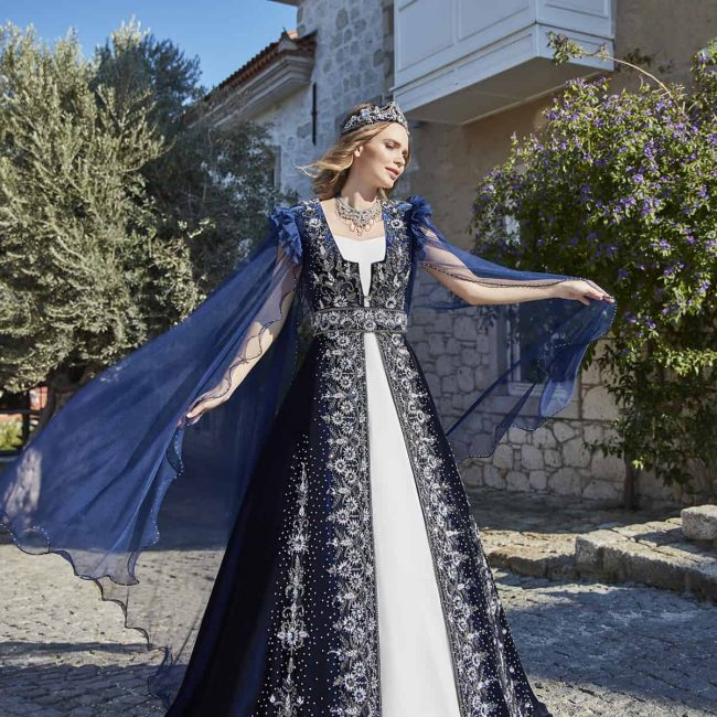 Turkish traditional navy blue henna long night evening dresses 1 650x650 - Navy Ethnic Kaftan Set