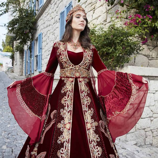 elegant engagement party dresses 2 650x650 - Elegant Red Caftan Set