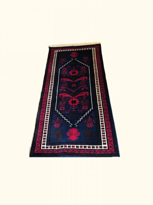 yagci-bedir-rug-with-white-base