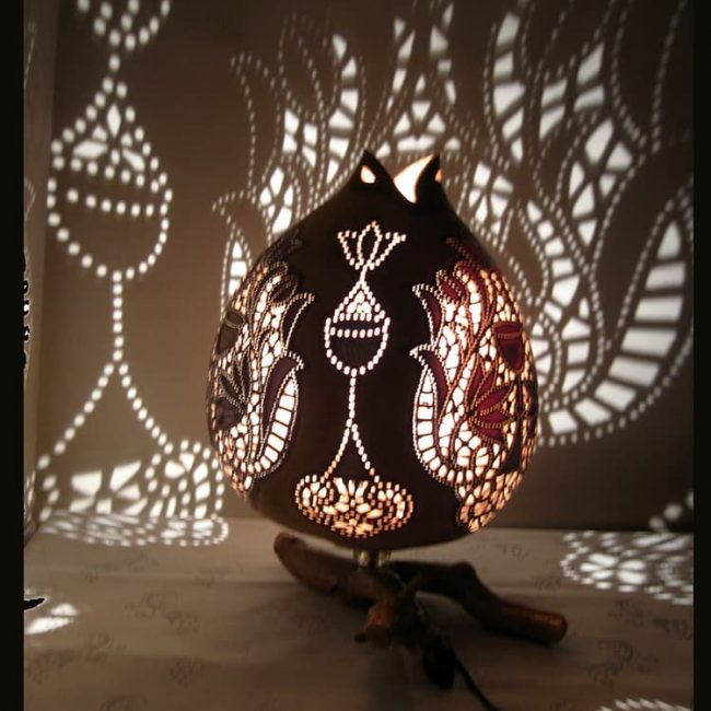 Turkeyfamousfor Hand carved Gourd Lampshade 2 1 650x650 - Hand carved Gourd Lampshade