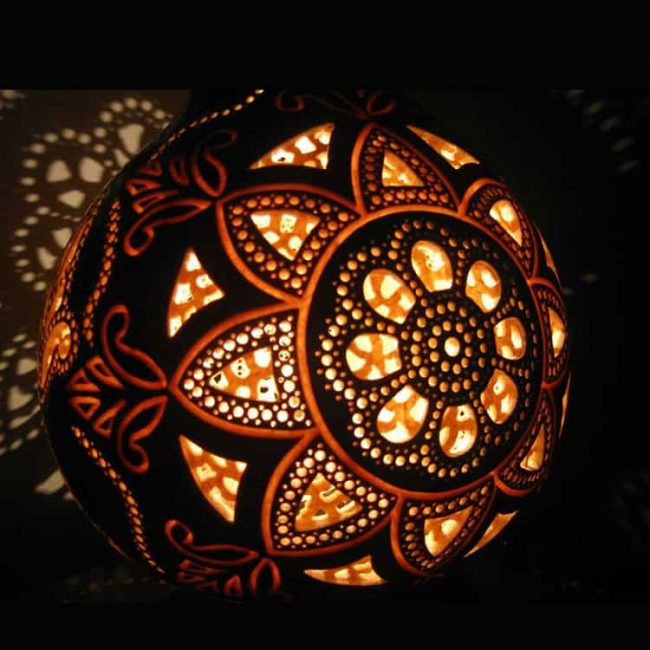 artistic carved gourd lampshade 5 650x650 - Gourd Lamps