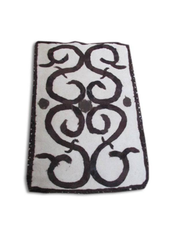 wet-felted-rug-sheep-horn-no dye-handmade decorating-hand felting projects-felting wool