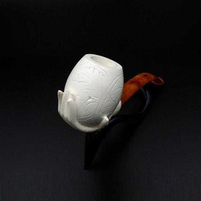 lady hand meerschaum pipe 2 650x650 - Lady Hand Meerschaum Pipe