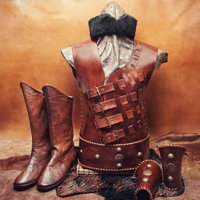 WhatsApp Image 2018 12 07 at 16.42 650x650 - Handmade Leather Archer Set