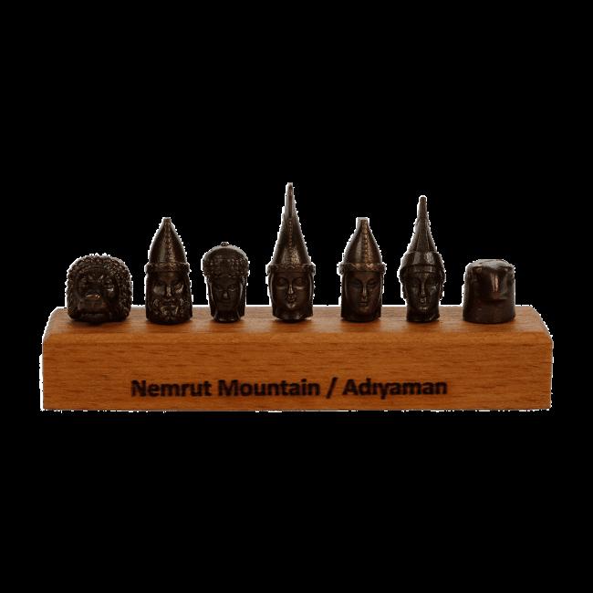 Nemruts Metal Statue 1 650x650 - Home